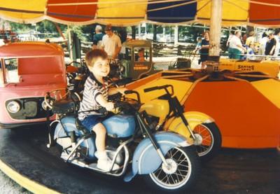 Kolbysantaslandmotorcycle2